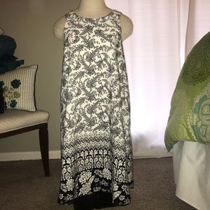 Dresses & Skirts - Black and white Lizard Thicket dress